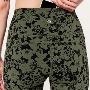NWOT Lululemon In Movement 7/8 Tight Evelux
